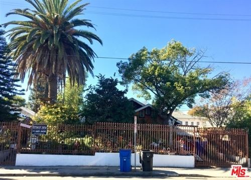 Photo of 517 N HOOVER Street, Los Angeles, CA 90004 (MLS # 19442388)