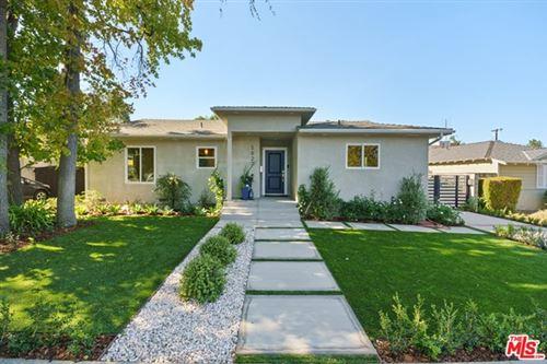 Photo of 5827 Vanalden Avenue, Tarzana, CA 91356 (MLS # 20649388)