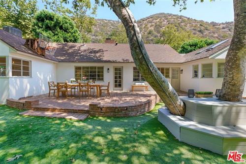 Photo of 2785 Mandeville Canyon Road, Los Angeles, CA 90049 (MLS # 21782388)