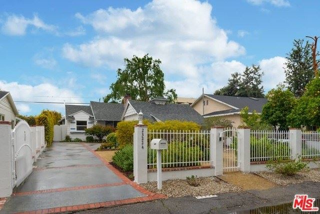 Photo for 23224 LEONORA Drive, Woodland Hills, CA 91367 (MLS # 20565388)