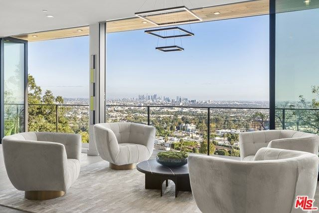 Photo of 8130 Laurel View Drive, Los Angeles, CA 90069 (MLS # 20662388)