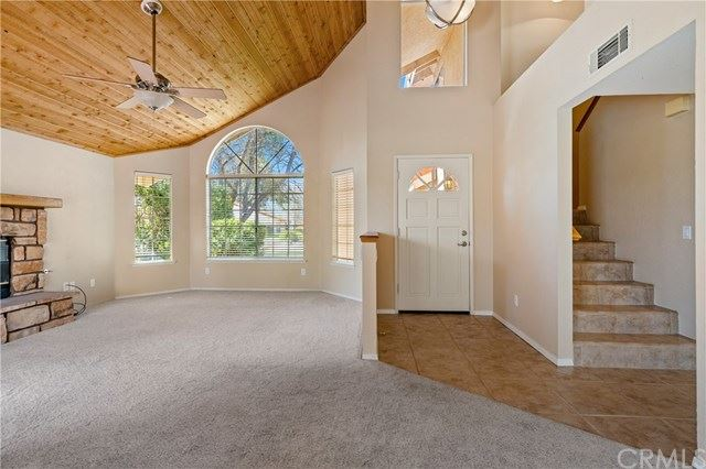 Photo of 926 Inverness Drive, Paso Robles, CA 93446 (MLS # NS21074389)