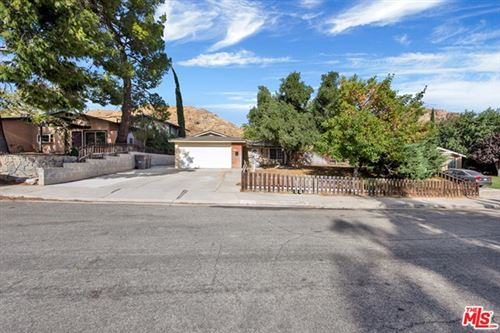 Photo of 29830 WISTERIA VALLEY Road, Canyon Country, CA 91387 (MLS # 20586390)