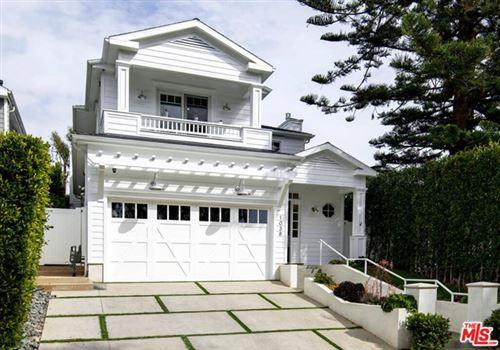Photo of 1038 Embury Street, Pacific Palisades, CA 90272 (MLS # 21706390)