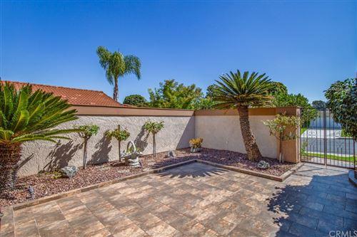 Photo of 5043 Avenida Del Sol, Laguna Woods, CA 92637 (MLS # OC21209390)