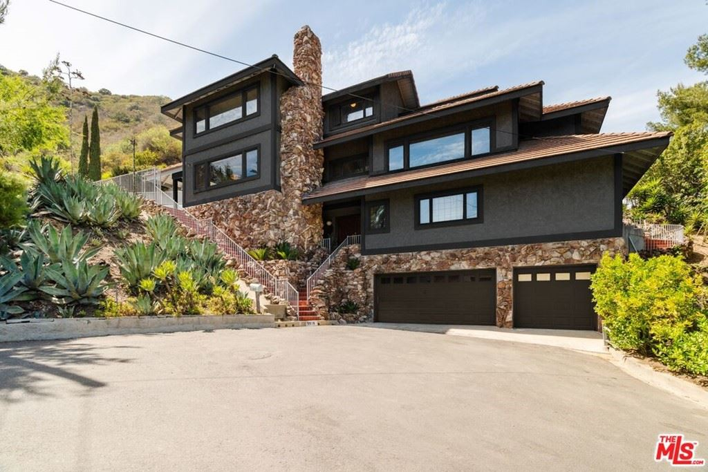 9819 Curwood Place, Beverly Hills, CA 90210 - MLS#: 21735390