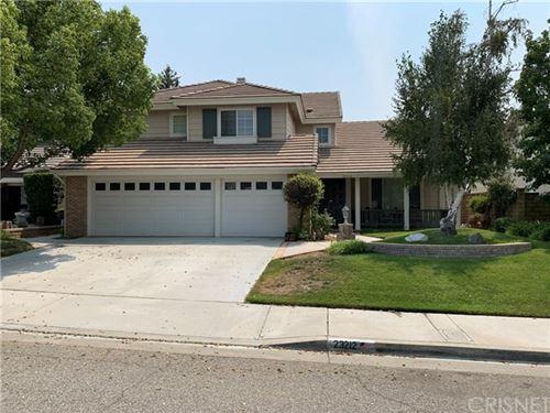 Photo of 23212 Sherwood Place, Valencia, CA 91354 (MLS # SR20172391)