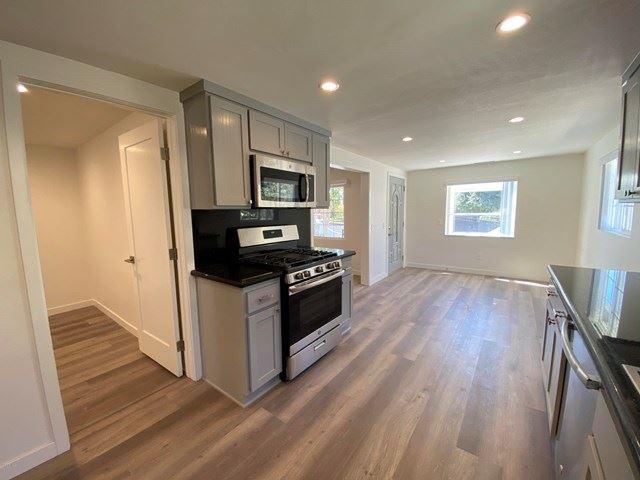 Photo of 425 Charles Street, Moorpark, CA 93021 (MLS # 220010391)