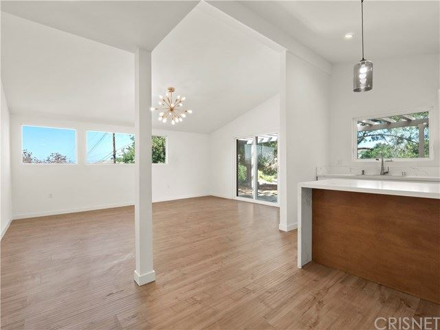 Photo of 18705 Oakmoor Street, Canyon Country, CA 91351 (MLS # SR20183391)