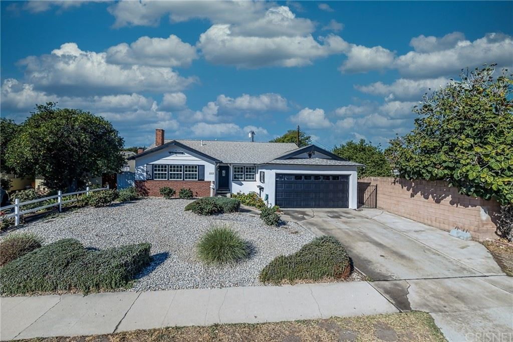 Photo of 10447 Gaviota Avenue, Granada Hills, CA 91344 (MLS # SR21228391)