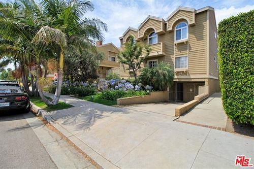 Photo of 3651 Jasmine Avenue #106, Los Angeles, CA 90034 (MLS # 21759392)