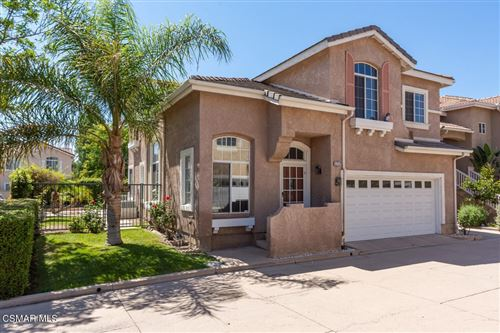Photo of 1717 Heatherwisp Lane, Simi Valley, CA 93065 (MLS # 221003392)