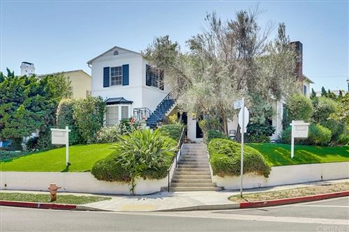 Photo of 1701 Kelton Avenue, Los Angeles, CA 90024 (MLS # SR21190392)