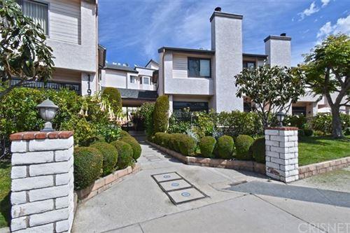 Photo of 11911 Magnolia Boulevard #16, Valley Village, CA 91607 (MLS # SR21069393)