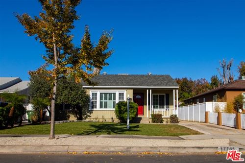 Photo of 17741 Victory Boulevard, Reseda, CA 91335 (MLS # 20664394)