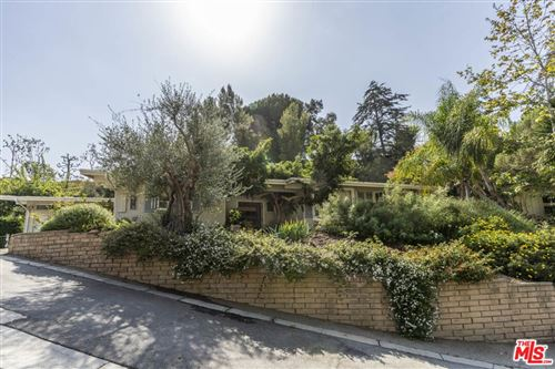 Photo of 16606 Pequeno Place, Pacific Palisades, CA 90272 (MLS # 21795394)