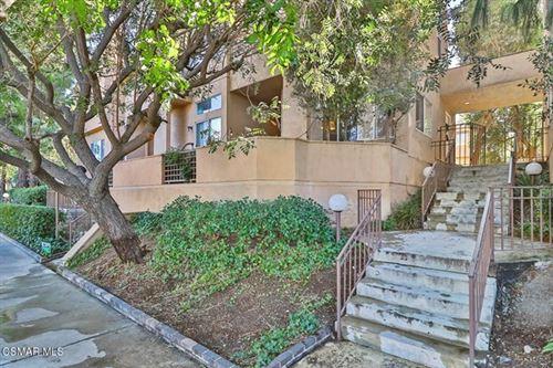 Photo of 18730 Hatteras Street #47, Tarzana, CA 91356 (MLS # 220011394)