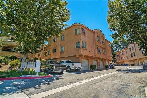 Photo of 19826 Sandpiper Place #47, Newhall, CA 91321 (MLS # SR21162394)