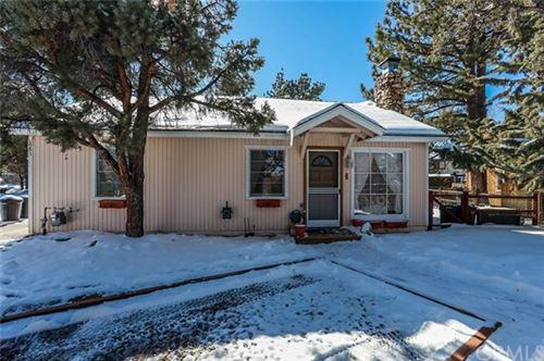 Photo of 685 Villa Grove Avenue, Big Bear, CA 92314 (MLS # EV20033395)