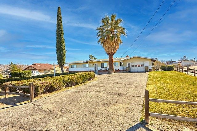 17621 Smoke Tree Street, Hesperia, CA 92345 - MLS#: 532395