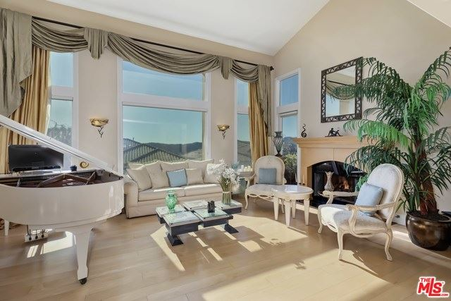 Photo of 16659 Calle Brittany, Pacific Palisades, CA 90272 (MLS # 21697396)