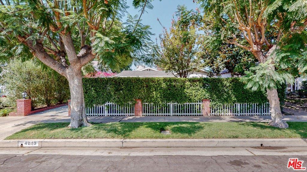 Photo of 4243 Beeman Avenue, Studio City, CA 91604 (MLS # 21744396)