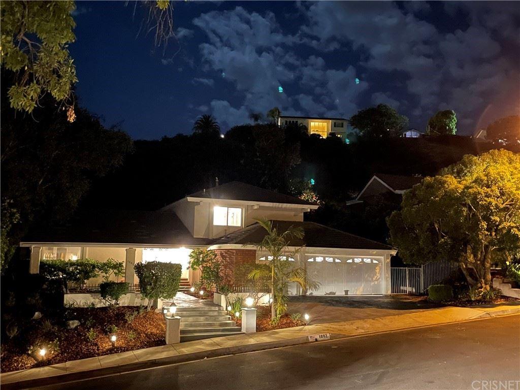 Photo of 1882 Stonesgate Street, Westlake Village, CA 91361 (MLS # SR21115396)