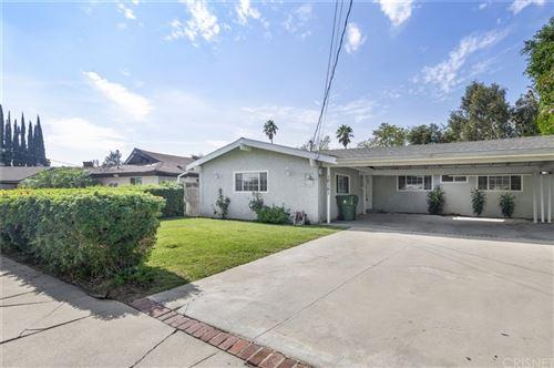 Photo of 10151 Petit Avenue, North Hills, CA 91343 (MLS # SR21224397)