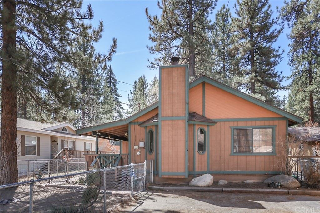 1136 W Sherwood Boulevard, Big Bear City, CA 92314 - MLS#: EV21066397