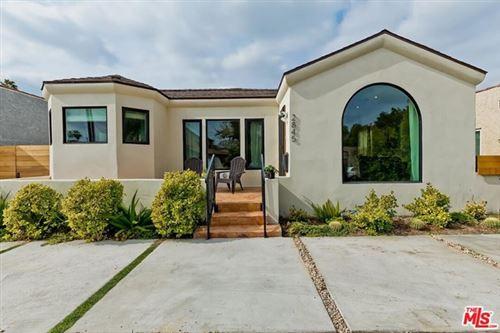 Photo of 2845 Vineyard Avenue, Los Angeles, CA 90016 (MLS # 21691398)