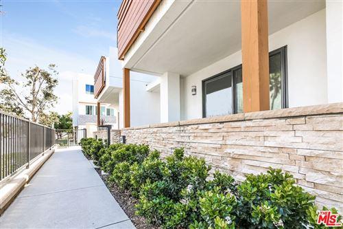 Photo of 647 W 17Th Street, Costa Mesa, CA 92627 (MLS # 21722398)