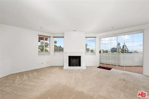 Photo of 7218 Hillside Avenue #405, Los Angeles, CA 90046 (MLS # 21733398)