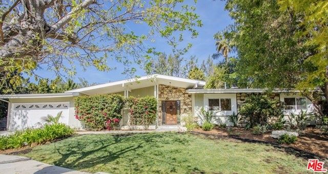 Photo for 5831 Elba Place, Woodland Hills, CA 91367 (MLS # 21708398)