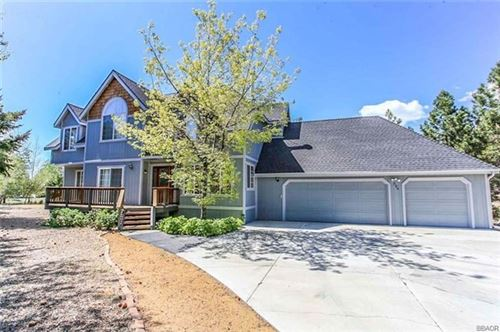 Photo of 324 Meadow Circle S, Big Bear, CA 92315 (MLS # 219060853PS)