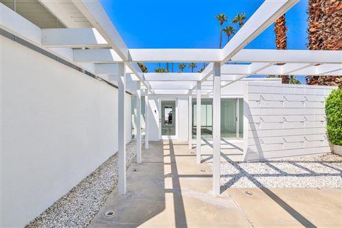 Photo of 1295 N Via Monte Vista, Palm Springs, CA 92262 (MLS # 219068943PS)
