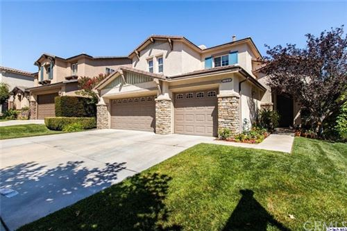Photo of 17641 Wren Drive, Canyon Country, CA 91387 (MLS # 320002400)