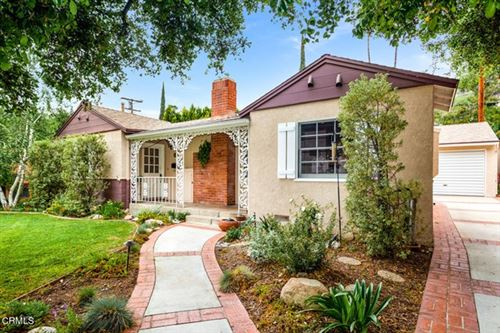 Photo of 1873 Los Encinos Avenue, Glendale, CA 91208 (MLS # P1-4400)