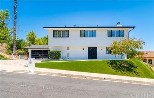 Photo of 23331 Aetna, Woodland Hills, CA 91367 (MLS # SR20130400)