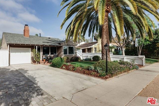 Photo of 4835 Forman Avenue, North Hollywood, CA 91601 (MLS # 21715400)