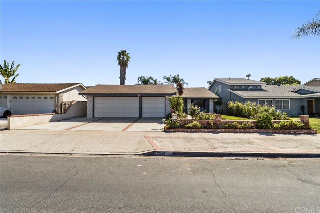 23412 Dune Mear Road, Lake Forest, CA 92630 - MLS#: LG21233401