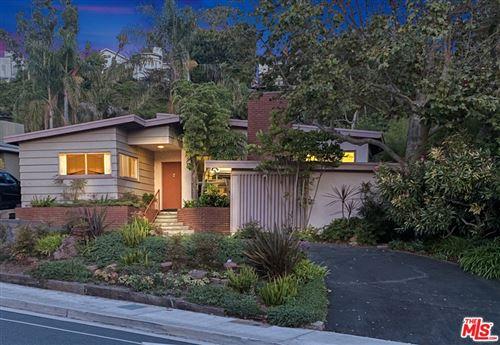 Photo of 588 Entrada Drive, Santa Monica, CA 90402 (MLS # 20626402)