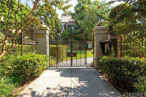Photo of 950 N Kings Road #324, West Hollywood, CA 90069 (MLS # SR20213402)