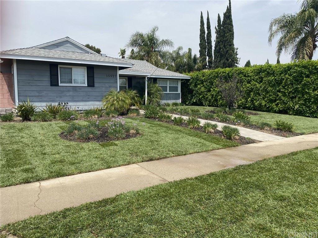 Photo of 15927 Simonds Street, Granada Hills, CA 91344 (MLS # SR21143402)