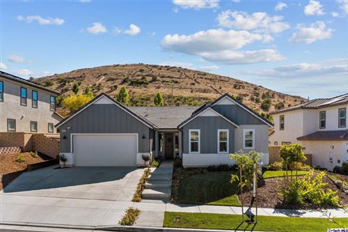 Photo of 25153 Cypress Bluff Drive, Canyon Country, CA 91387 (MLS # 320006403)