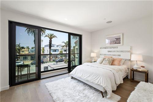 Tiny photo for 506 7th Street, Huntington Beach, CA 92648 (MLS # OC21081404)