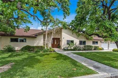 Photo of 4950 Gloria Avenue, Encino, CA 91436 (MLS # SR20083404)