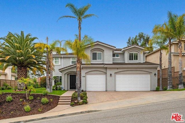 Photo for 17038 ITASCA Street, Northridge, CA 91325 (MLS # 20584404)