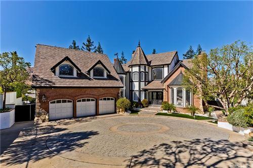 Photo of 22529 N Summit Ridge Circle, Chatsworth, CA 91311 (MLS # SR21235405)