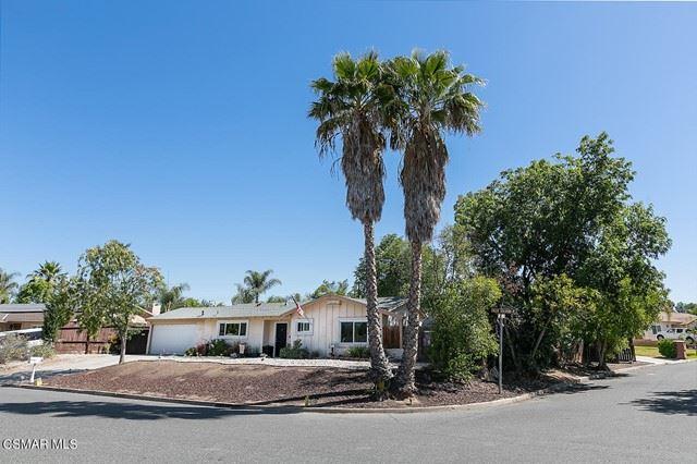 Photo of 795 Calle Tulipan, Thousand Oaks, CA 91360 (MLS # 221003406)
