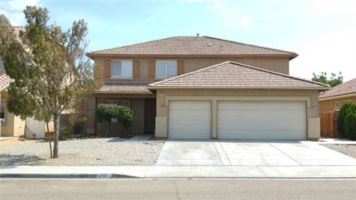 Photo of 14961 Stone Drive, Victorville, CA 92394 (MLS # 528407)
